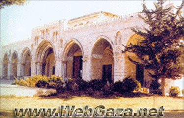 The Blessed Al Aqsaa Mosque - Built south of the glorified Dome Rock and has an area of about 4400 square meters.